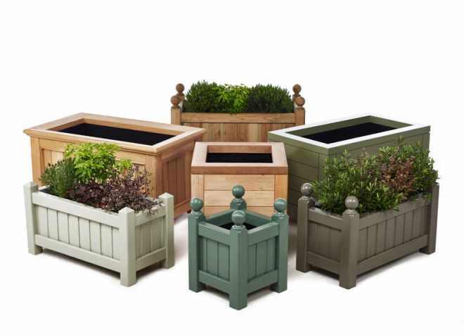 Wooden garden planters contemporary traditional for Garden planters uk