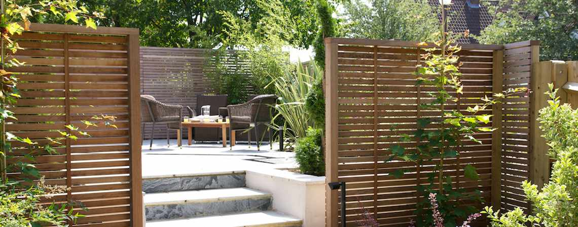 The garden trellis company contemporary garden furniture for Contemporary garden trellis designs