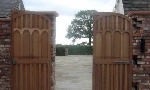 Custom decorative hardwood gates