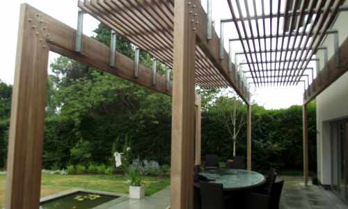 Contemporary pergola with a slatted effect