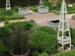 How to transform your garden with planters and obelisks