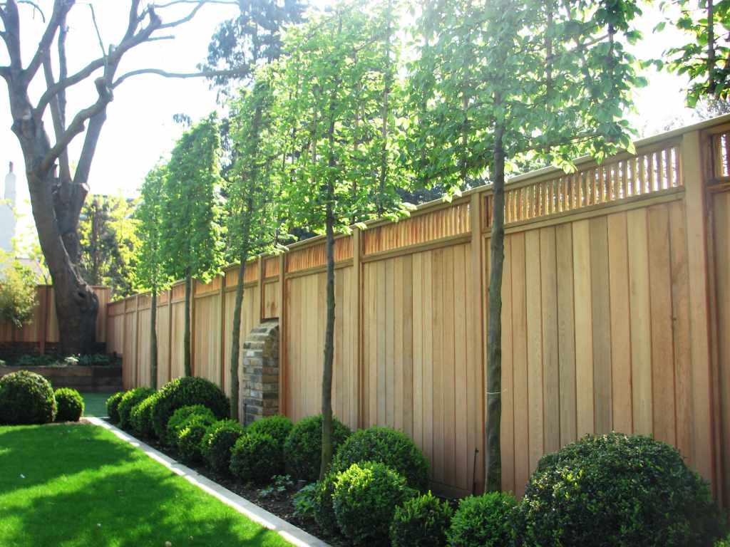 Decorative fence panels essex uk the garden trellis for Barriere en bois exterieur