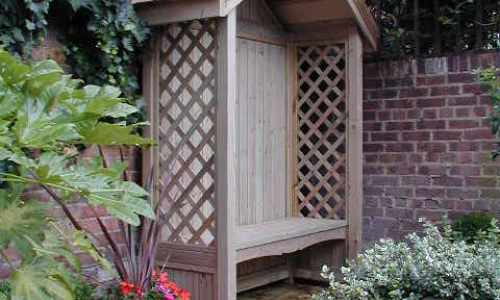 Seating arbour in natural softwood