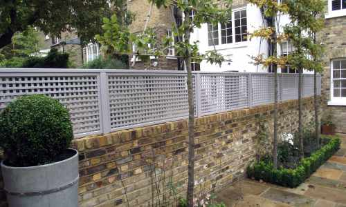 Mini slat trellis painted GT Stone