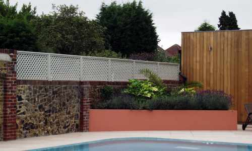 Painted trellis in pearl