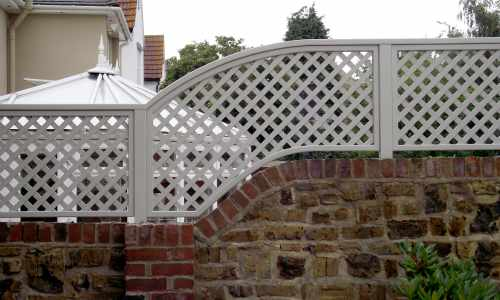 Shaped painted trellis