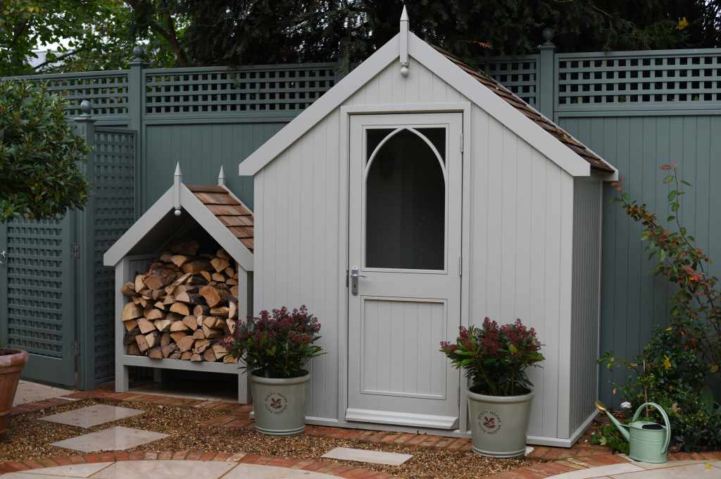 Wooden garden rooms and sheds essex uk the garden for Bespoke garden sheds