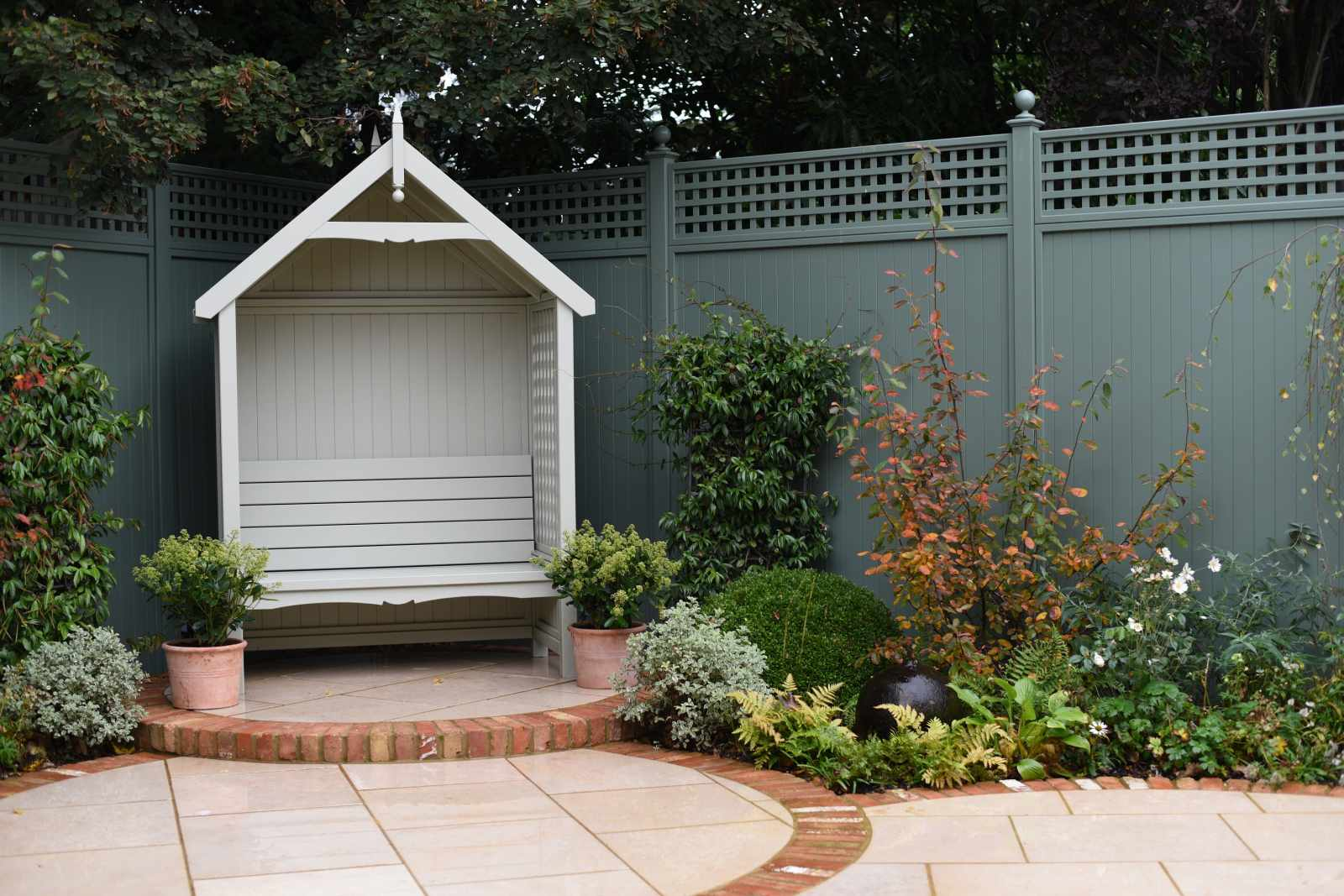 Decorative Fence Panels | Essex UK | The Garden Trellis Company