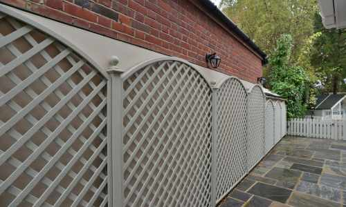 Bespoke Diagonal Trellis with Convex Arches