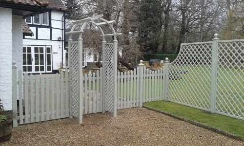 Arbour & Picket Fencing - Pianted in Manhattan Grey