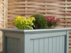 15% off ready-made planters this month