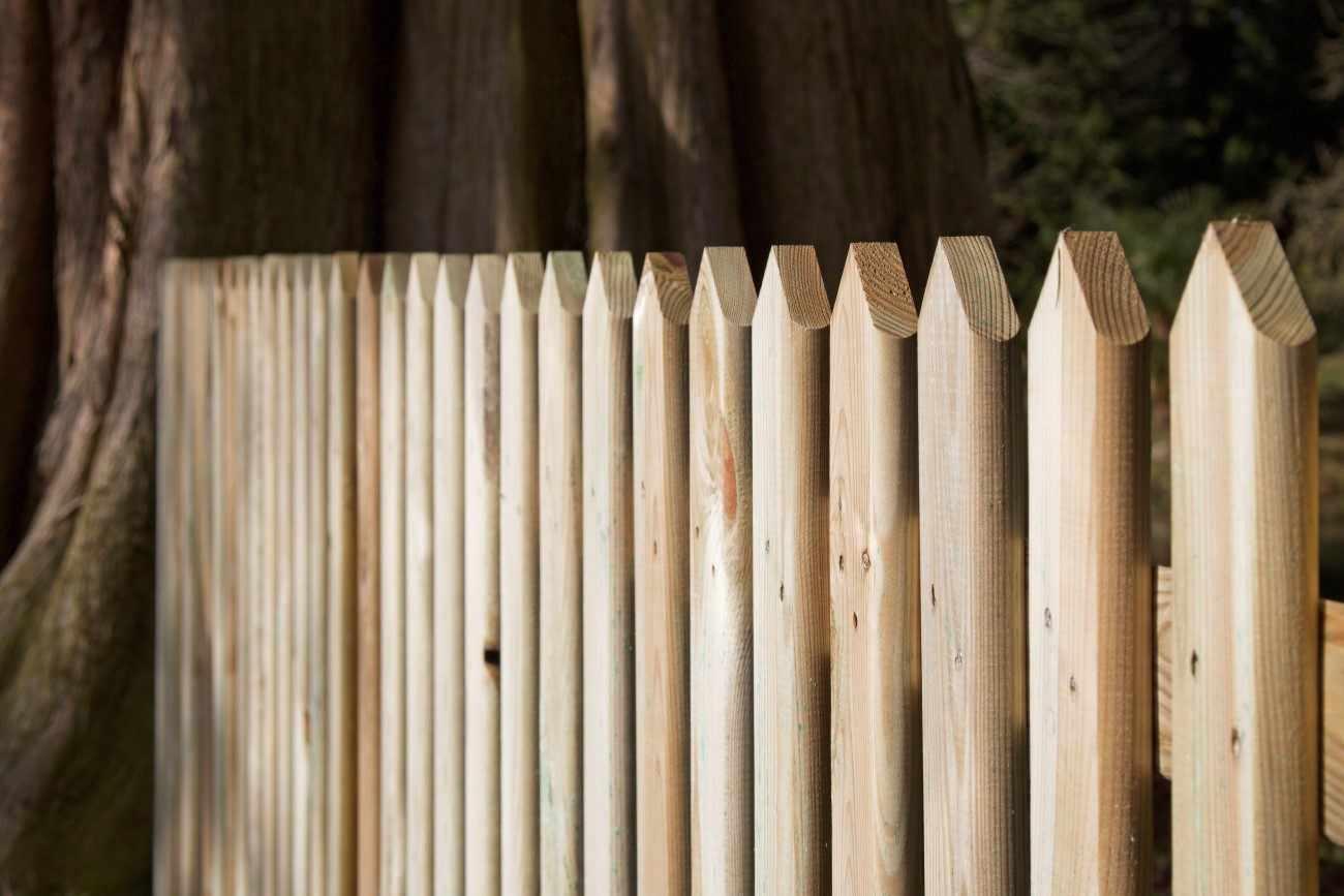 Picket Fencing Arris Rails Paint Options The Garden