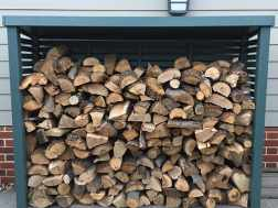 Free kindling with all log store purchases – this month only!